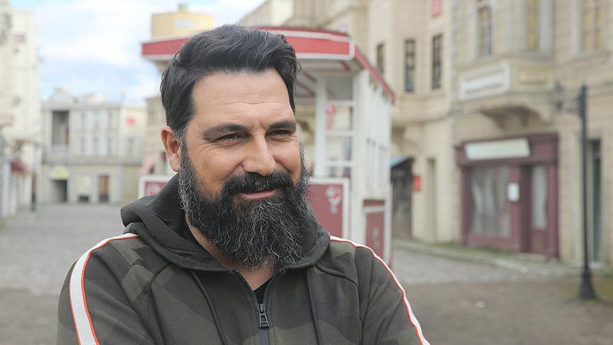 "Bülent İnal: ""Abdülhamid rolünü oynamaktan keyif oluyorum"""