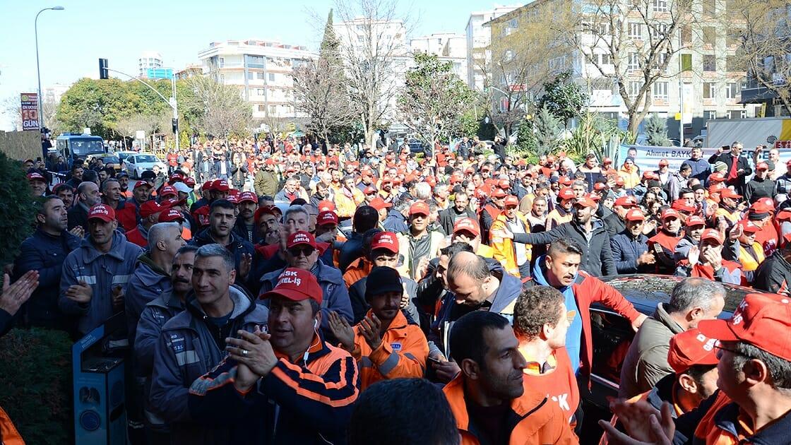Maltepe'de işçiler haklarını istiyor