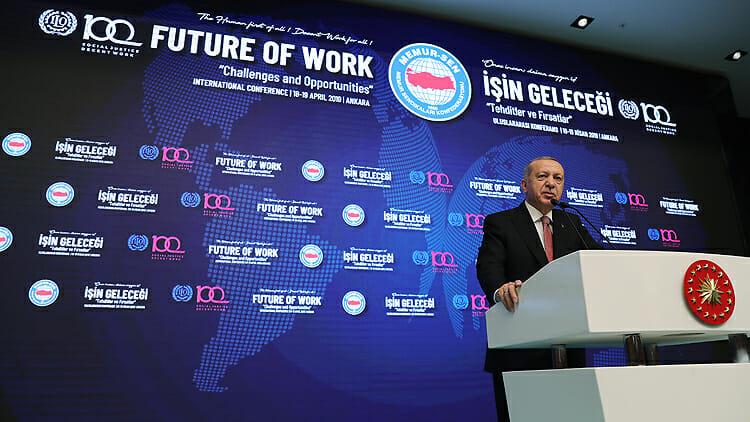 """Cumhurbaşkanı Erdoğan: """"Hangi Başlığı Atarsanız Atın Türkiye Dimdik Ayaktadır"""""""