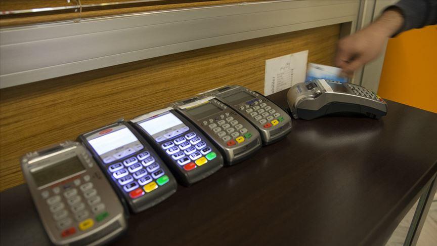 Vatandaşlar kredi kartlarına yüklendi