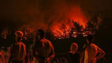 İzmir'deki orman yangınından son dakika gelişmesi: Büyüyor