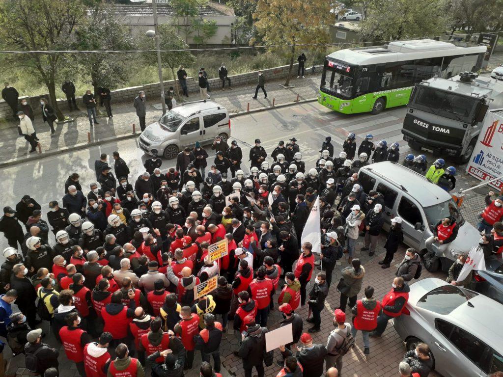 Metal İşçileri yürüyüşte: Sendikal haklarını istiyorlar