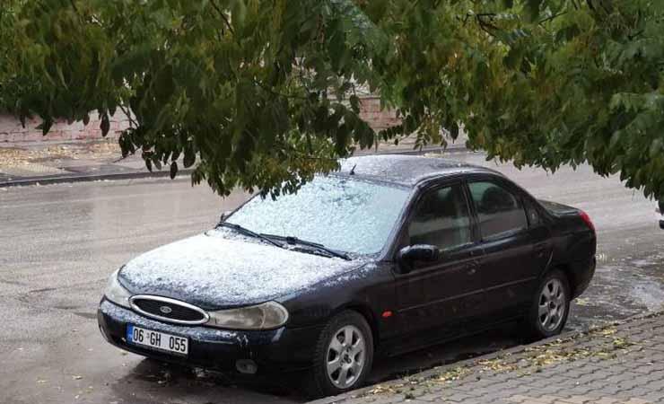 Ankara'da yılın ilk karı Polatlı'da görüldü