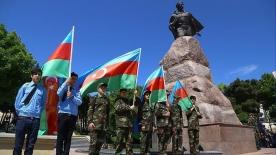 Azerbaycan'dan vefa örneği: Zafer Günü'nü değiştirdiler