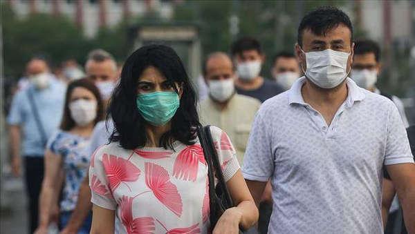 Maske zorunluluğunu kaldırmışlardı: Geri getirmek zorunda kaldılar