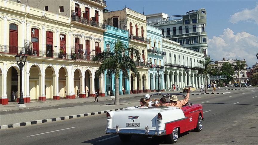 Küba'da protestolar başladı: Ekonomik kriz derinleşince...
